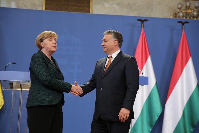 Am 02.02. besucht Angela Merkel Victor Orban in Budapest, Im Vorfeld gab es Demonstrationen gegen die ungarische Regierung./ Visit of Angela Merkel in Hungary