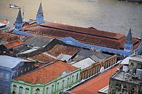 """Centenas de embarcações com devotos acompanham a Romaria Fluvial, que integra o calendário das 12 procissões oficiais do Círio de Nazaré. O """"Círio das Águas"""" saiu do trapiche de Icoaraci, distrito de Belém, a bordo do navio Garnier Sampaio, da Marinha do Brasil chegando no cais do Porto, na Estação das Docas, <br /> Belém, Pará, Brasil.<br /> Foto Ney Marcondes <br /> 09/10/2010"""