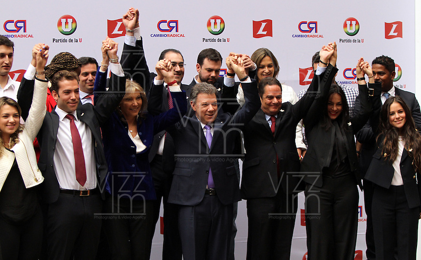 BOGOTA -COLOMBIA. 04-03-2014. El presidente Juan Manuel Santos inscribio su candidatura para la presidencia de la Republica de Colombia para el periodo  2014-2018 ante el registrador nacional Carlos Ariel Sanchez  y su compañero de equipo German Vargas Lleras. / President Juan Manuel Santos signed his candidacy for the presidency of the Republic of Colombia for the period 2014-2018 to the National Registrar Carlos Ariel Sanchez  and his teammate German Vargas Lleras.  Photo: VizzorImage/ Felipe Caicedo