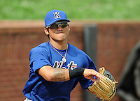 August 2, 2009: Infielder Gered Mochizuki (11) of the Kingsport Mets, rookie Appalachian League affiliate of the New York Mets, before a game at Pioneer Park in Greeneville, Tenn. Photo by:  Tom Priddy/Four Seam Images