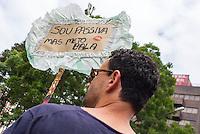 """CURITIBA, PR, 01 DE DEZEMBRO 2013 – PARADA DA DIVERSIDADE LGBT- Com o tema: """"Liberdade e Cidadania, defenda a democracia"""", a Parada da Diversidade de Curitiba que acontece neste domingo (01) no centro Civico, centro de Curitiba. Entidades sindicais e movimentos em prol da diversidade estão presentes na luta contra o preconceito. (FOTO: PAULO LISBOA  / BRAZIL PHOTO PRESS)"""