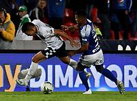 BOGOTÁ-COLOMBIA, 15–02-2020: Omar Bertel de Millonarios y Frank Lozano de Chicó F.C. disputan el balón, durante partido entre Millonarios y Boyacá Chicó F.C. de la fecha 5 por la Liga BetPlay DIMAYOR 2020 jugado en el estadio Nemesio Camacho El Campín de la ciudad de Bogotá. / Omar Bertel of Millonarios and Frank Lozano of Boyaca Chico F.C. figth for the ball, during a match between Millonarios and Boyaca Chico F.C. of the 5th date for the BetPlay DIMAYOR Leguaje I 2020 played at the Nemesio Camacho El Campin Stadium in Bogota city. / Photo: VizzorImage / Luis Ramírez / Staff.