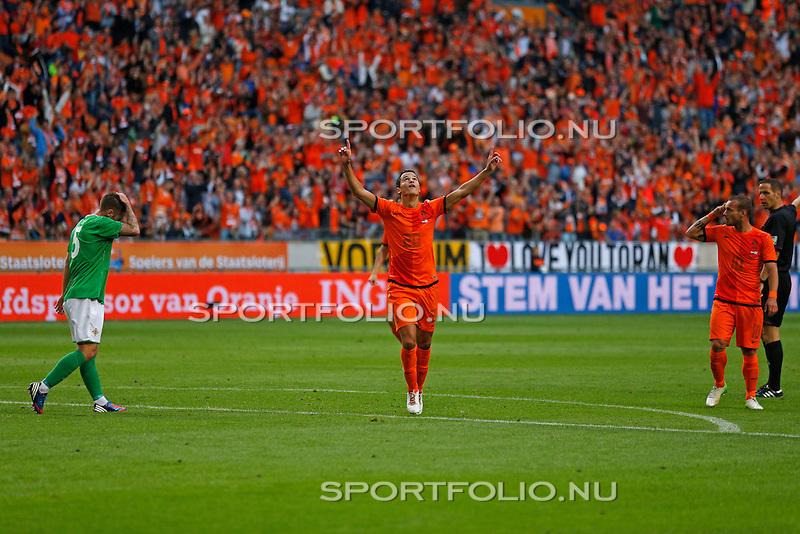 Nederland, Amsterdam, 2 juni 2012.Oefeninterland.Nederland-Noord-Ierland.Ibrahim Afellay (m) van Nederland juicht nadat hij een doelpunt heeft gemaakt    .