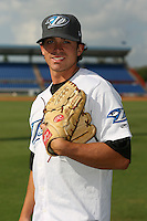 April 10th 2009:  Relief Pitcher Alan Farina of the Dunedin Blue Jays, Florida State League Class-A affiliate of the Toronto Blue Jays, during a game at Dunedin Stadium in Dunedin, FL.  Photo by:  Mike Janes/Four Seam Images