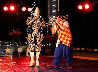 Circus Sijm. Wittte Clown Jenny di Lello en de italiaanse clown Alan di Lello