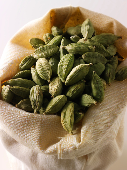 Whole Green Elaichi  Cardamoms pods - Stock Photos