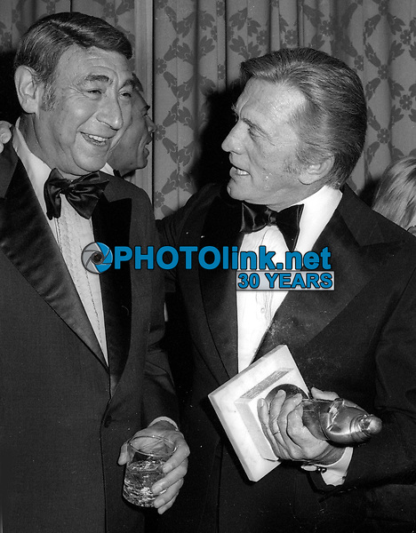Howard Cosell Kirk Douglas Undated<br /> Photo By John Barrett/PHOTOlink