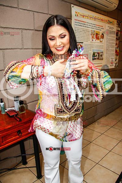 Ana Gabriel, during her concert at the Palenque of the cattle expo of Sonora on May 10, 2009<br /> <br /> Ana Gabriel, durante su concierto en el palenque de la expo ganadera de Sonora el 10may2009