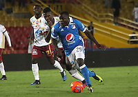 BOGOTA -COLOMBIA, 22-02-2017.Elicer Quinonez (R) player of Millonarios  fights for the ball with Sergio Mosquera (L) player of Tolima during match for the date 5 of the Aguila League I 2017 played at Nemesio Camacho El Campin stadium . Photo:VizzorImage / Felipe Caicedo  / Staff