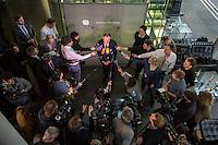 25. Sitzung des Abgas-Untersuchungsausschuss des Deutschen Bundestag am Donnerstag den 16. Februar 2017.<br /> Als Zeuge war u.a. der Minsterpraesident von Niedersachsen, Stephan Weil (SPD) geladen (im Bild).<br /> 16.2.2017, Berlin<br /> Copyright: Christian-Ditsch.de<br /> [Inhaltsveraendernde Manipulation des Fotos nur nach ausdruecklicher Genehmigung des Fotografen. Vereinbarungen ueber Abtretung von Persoenlichkeitsrechten/Model Release der abgebildeten Person/Personen liegen nicht vor. NO MODEL RELEASE! Nur fuer Redaktionelle Zwecke. Don't publish without copyright Christian-Ditsch.de, Veroeffentlichung nur mit Fotografennennung, sowie gegen Honorar, MwSt. und Beleg. Konto: I N G - D i B a, IBAN DE58500105175400192269, BIC INGDDEFFXXX, Kontakt: post@christian-ditsch.de<br /> Bei der Bearbeitung der Dateiinformationen darf die Urheberkennzeichnung in den EXIF- und  IPTC-Daten nicht entfernt werden, diese sind in digitalen Medien nach §95c UrhG rechtlich geschuetzt. Der Urhebervermerk wird gemaess §13 UrhG verlangt.]