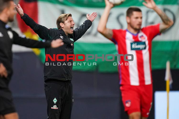 Gestik, Mimik, Florian Kohfeldt (Trainer SV Werder Bremen)emotionen wuetend<br /> <br /> <br /> Sport: nphgm001: Fussball: 1. Bundesliga: Saison 19/20: Relegation 02; 1.FC Heidenheim vs SV Werder Bremen - 06.07.2020<br /> <br /> Foto: gumzmedia/nordphoto/POOL <br /> <br /> DFL regulations prohibit any use of photographs as image sequences and/or quasi-video.<br /> EDITORIAL USE ONLY<br /> National and international News-Agencies OUT.