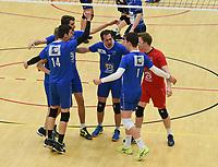 VT KORTRIJK - KNACK B ROESELARE :<br /> vreugde bij de Kortrijkse spelers na het behalen van de 1e set<br /> <br /> Foto VDB / Bart Vandenbroucke