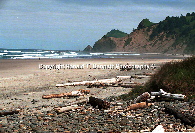coastline of Lincoln City Oregon, coast, Coastline, Columbia River Estuary, Oregon Beach, beach, coast, River to Neskowin, Lincoln CIty, Florence, Reedsport, Coos County, Highway Astoria to Brookings,Pacific Ocean, Plains, woods, mountains, rain forest, desert, rain, Pacific Northwest, Fine Art Photography by Ron Bennett, Fine Art, Fine Art photography, Art Photography, Copyright RonBennettPhotography.com ©