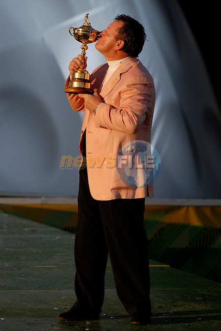 Winning European Team Captain Ian Woosnam holds the Ryder Cup at the closing ceremony of the 2006 Ryder Cup at The K Club..Photo: Eoin Clarke/Newsfile.