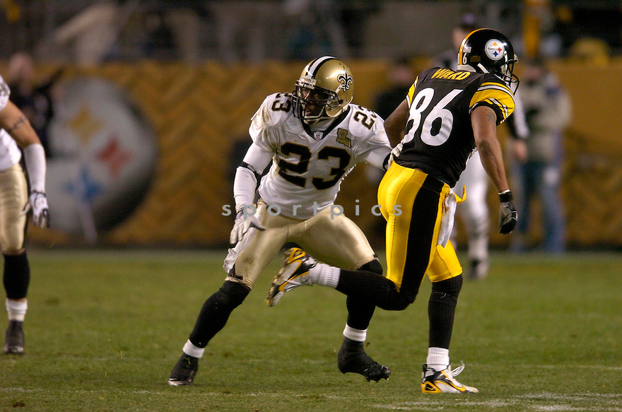 OMAR STOUTMIRE, of the New Orleans Saints, in action against the Pittsburgh Steeler on November 12, 2006, in Pittsburgh, PA. ..Steelers win 38-31..Chris Bernacchi / SportPics