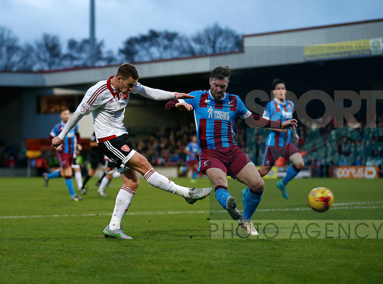 Paul Coutts of Sheffield Utd takes a shot on goal - English League One - Scunthorpe Utd vs Sheffield Utd - Glandford Park Stadium - Scunthorpe - England - 19th December 2015 - Pic Simon Bellis/Sportimage