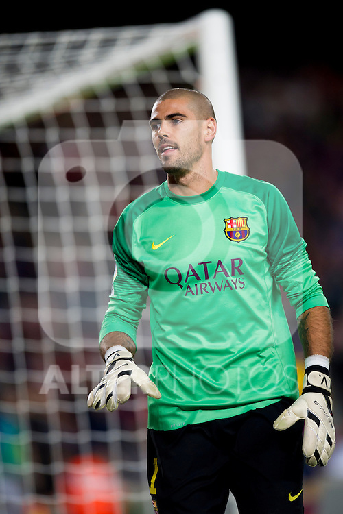 FC Barcelona's Victor Valdes is seen during La Liga 2013-2014 match against RCD Espanyol. November 1, 2013. (ALTERPHOTOS/Alex Caparros)