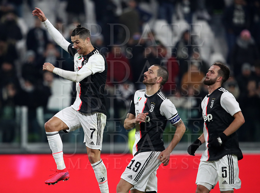 Calcio, Coppa Italia round 8 : Juventus - AS Roma, Turin, Allianz Stadium, January 22, 2020.<br /> Juventus' players celebrate after winning 3-1 the Italian Cup football round 8 match between Juventus and Roma at the Allianz stadium in Turin, January 22, 2020.<br /> UPDATE IMAGES PRESS/Isabella Bonotto