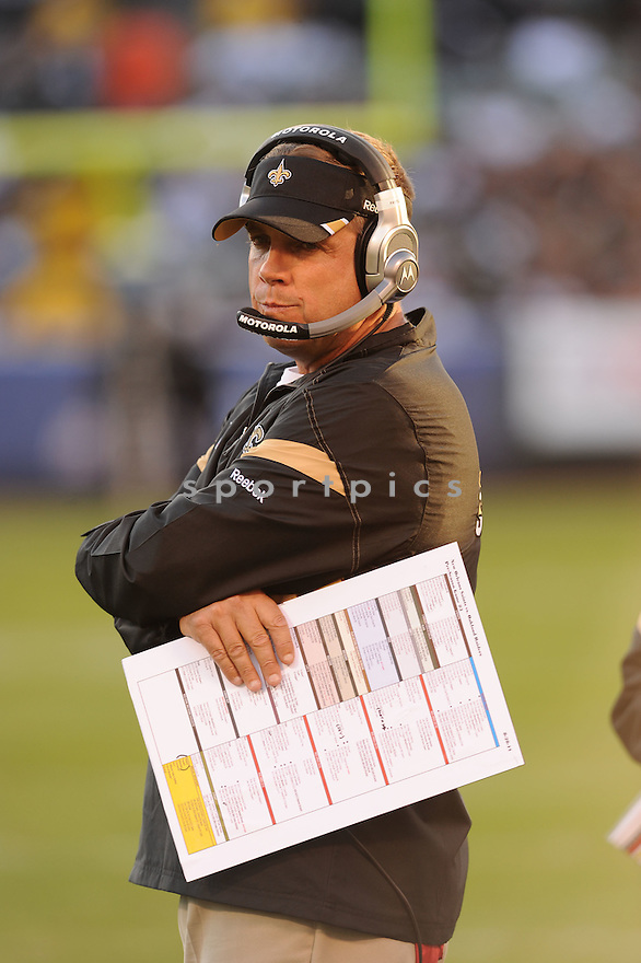SEAN PAYTON, of the New Orleans Saints, in action during the Saints game against the Oakland Raiders on August 28, 2011 at O.co Coliseum in Oakland, CA. The Saints beat the Raiders 40-20.