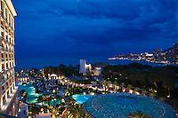 Europe/Monaco/Monte Carlo: la Ville, le port, le rocher avec le Palais  vus depuis le Monte-Carlo Bay