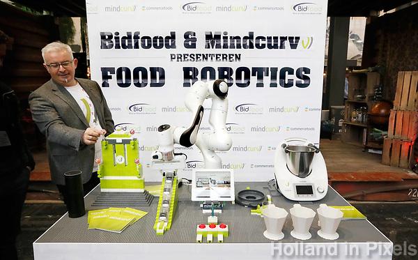 Nederland - Amsterdam - Januari 2019.  HORECAVA.  Bidfood en Mindcurv presenten Food Robotics. Deze robot maakt oa ijsjes.   Foto Berlinda van Dam / Hollandse Hoogte