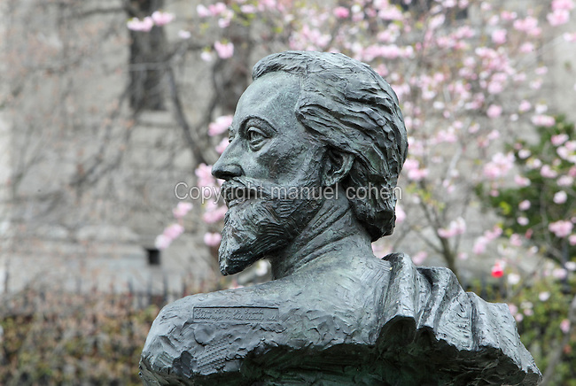 Bust of John Donne by Nigel Boonham, 2012, St Paul's Cathedral Gardens, City of London, England. Donne was a poet, priest, and a Dean of St Paul's, and the bronze bust stands in the newly completed garden to the South of the cathedral. The bust points almost due west but shows Donne turning to face east towards his birthplace on Bread Street. The directions of the compass were important to Donne in his metaphysical work: east is the Rising Sun, the Holy Land and Christ, while west is the place of decline and of death. Underneath the bust is inscribed the Donne text 'Hence is't, that I am carried towards the West, This day, when my Soul's form bends to the East'. Picture by Manuel Cohen