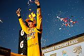#18: Kyle Busch, Joe Gibbs Racing, Toyota Camry M&M's victory lane