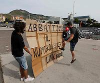 Universita gli studenti si sottopongono Test di ammisione alla facolta di Medicina<br /> nella foto la  protesta