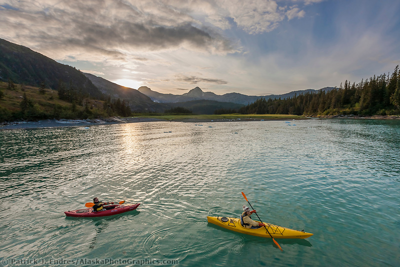 Kayakers in Nellie Juan Lagoon, Prince William Sound, Chugach National Forest, Kenai Peninsula, southcentral, Alaska.