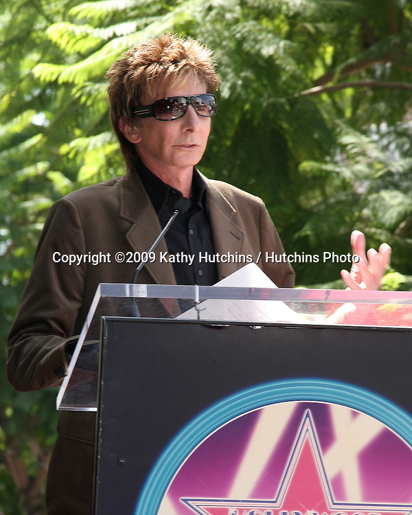 Barry Manilow.at the Hollywood Walk of Fame Star Ceremony honoring Dave Koz.Capital Building in Hollywood.Los Angeles, CA.September 22, 2009.©2009 Kathy Hutchins / Hutchins Photo.