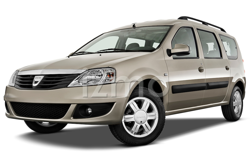 Low aggressive front three quarter view of a 2009 Dacia Logan Laureate Minivan.