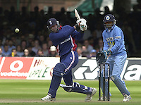 .29/06/2002.Sport - Cricket - .NatWest triangler Series England - Sri Lanka - India.England vs india 50 overs.  Lord's ground.England batting -  Alex Stewart and Ronnie Irani..