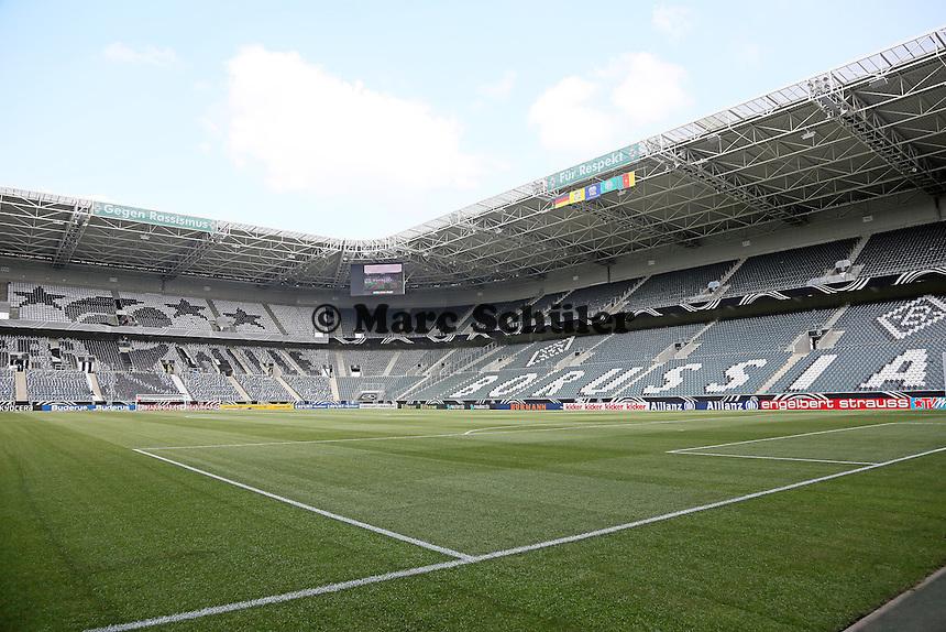 Leeres Stadion vor dem Anpfiff - Deutschland vs. Kamerun, Mönchengladbach