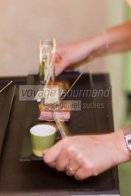 Europe/France/Provence-Alpes-Côte d'Azur/13/Bouches-du-Rhone/Aix-en-Provence: Agneau de provence avec pomme de terre au café, tuile de yaourt, jus expresso,recette de Pierre Reboul - Restaurant: Pierre Reboul