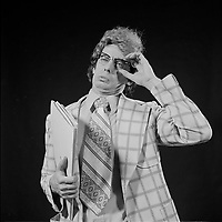 portraits studio de l'Humoriste Daniel Lemire, vers 1983<br /> <br /> PHOTO :  Agence Quebec Presse