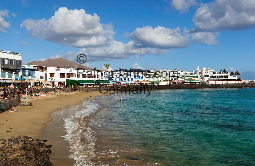 Spain, Canary Island, Lanzarote, Playa Blanca: Beach view | Spanien, Kanarische Inseln, Lanzarote, Playa Blanca: Strand