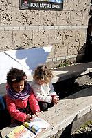 Roma, 17 Febbraio 2019<br /> Migliaia di persone tra cui famiglie con bambini, partecipano all'iniziativa Roma Capitale Umana, nei giardini di Piazza Vittorio, il quartiere più multietnico di Roma, contro il razzismo e il decreto sicurezza del Ministro Salvini,per una città accogliente e solidale<br /> L'iniziativa nasce da un appello dell' associazione genitori della scuola Di Donato del quartiere Esquilino per una città solidale antirazzista e multiculturale, ed hanno aderito centinaia di associazioni