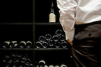 A client shops at Chambers Street Wines in New York, NY, USA, 22 May 2009. The store specializes in naturally made wines from artisanal small producers and has received a Slow Food NYC Snail of Approval.