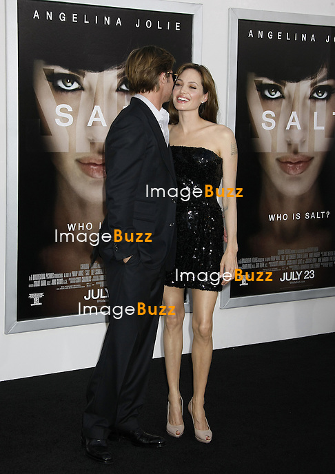 "BRAD PITT, ANGELINA JOLIE - PREMIERE DU FILM ""SALT"" AU GEAUMAN'S CHINESE THEATRE A HOLLYWOOD .. ""SALT"" MOVIE PREMIERE AT THE GRAUMAN'S CHINESE THEATRE IN HOLLYWOOD..LOS ANGELES"
