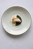 Europe/France/Bretagne/22/Côtes d'Armor/Sables-d'Or-les-Pins/ Fréhel:  recette de Maximin Hellio Restaurant: La Voile d'Or