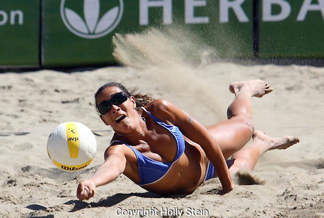 Jenny Johnson Jordan digs the ball during the AVP Lake Tahoe Open.