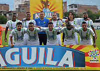 ENVIGADO - COLOMBIA, 03-04-2019: Los jugadores de Atlético Bucaramanga posan para una foto, antes de partido entre Envigado F. C. y Atlético Bucaramanga de la fecha 13 por la Liga Águila I 2019, en el estadio Polideportivo Sur de la ciudad de Envigado. / The players of Atletico Bucaramanga  pose for a photo, prior a match between Envigado F. C., and Atletico Bucaramanga of the 13th date  for the Leguaje Aguila I 2019 at the Polideportivo Sur stadium in Envigado city. Photo: VizzorImage / León Monsalve / Cont.