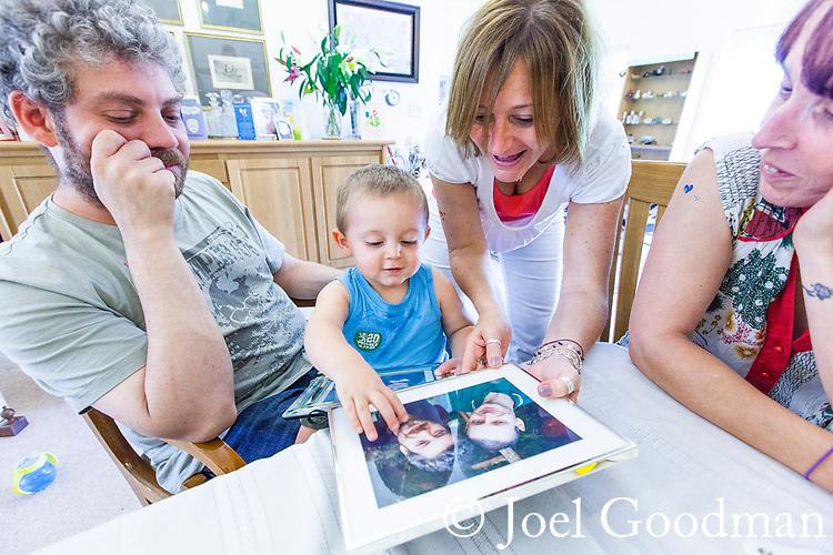 © Joel Goodman - 07973 332324 - all rights reserved . 25/06/2011 . London , UK . Holly Park Gardens Finchley . Photo credit : Joel Goodman