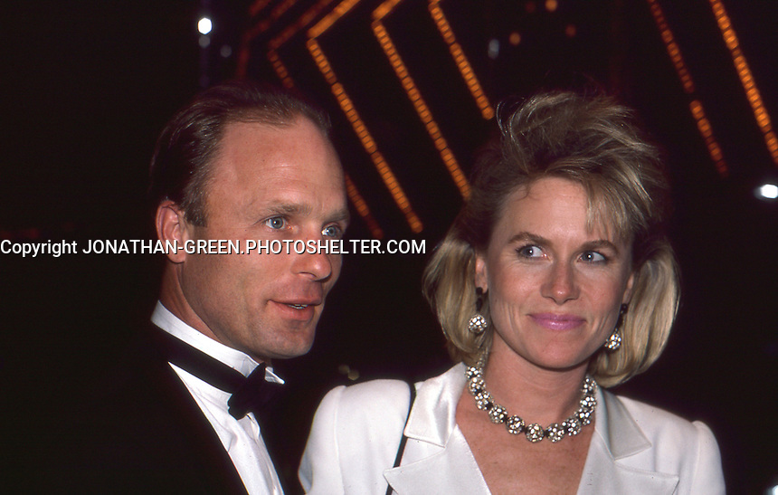 Ed Harris & Amy Madigan by Jonathan Green.  Tony Awards June 1986 NYC