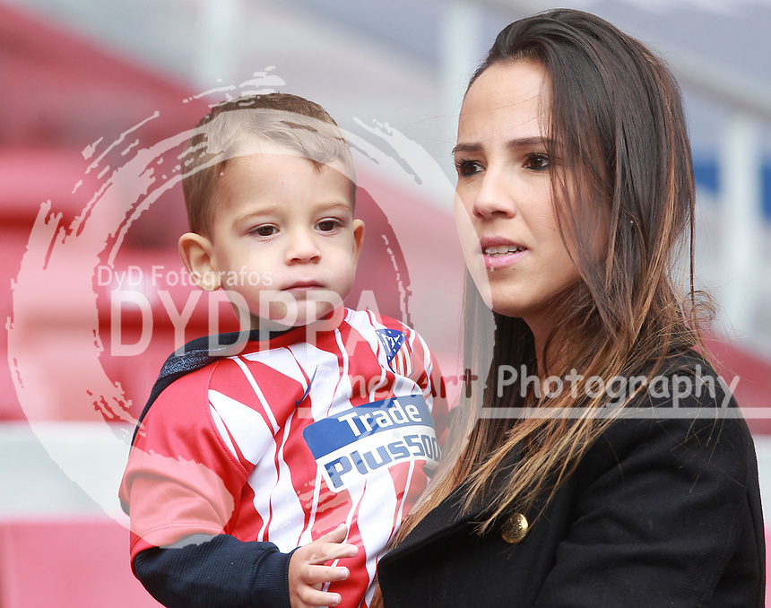 Vitolo's girlfriend Leticia with their son Thiago during the Atletico de Madrid FC presentation of the new Spanish midfielder Vitolo Machin at Wanda Metropolitano stadium in Madrid on December 31, 2017.