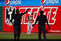 Hector Galvan ,durante el tercer juego de la serie de el partido Naranjeros de Hermosillo vs venados de Mazatlan Sonora en el Estadio Sonora. 10 noviembre 2013. Liga Mexicana del Pacifico (MLP)