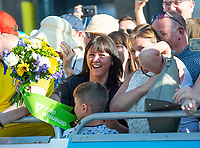 Picture by SWpix.com - 06/05/2018 - Cycling - 2018 Tour de Yorkshire - Stage 4: Halifax to Leeds - Yorkshire, England - Crowd catches the flowers.