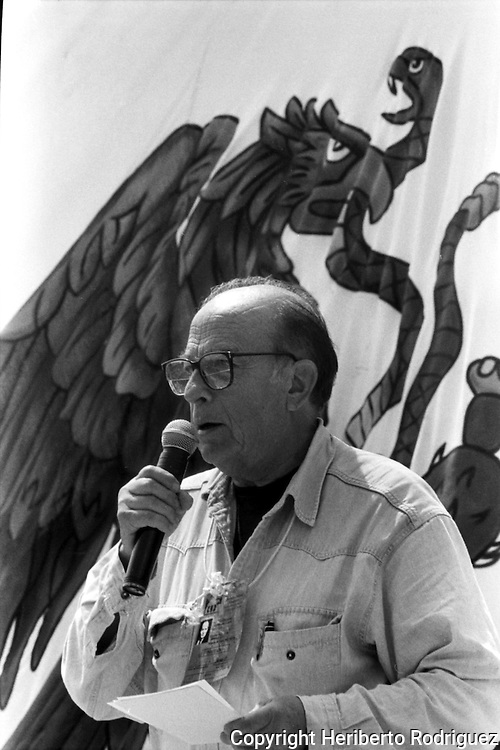 Pablo Gonzalez Casanova, former rector of the National Autonomous University of Mexico (UNAM), adresses a speech while attending the National Democratic Convention in the EZLN strongholf of Guadalupe Tepeyac, in southern state of Chiapas, August 06, 1994. Photo by Heriberto Rodriguez