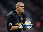 Barcelona's Victor Valdes during the Champions League semi-final 2nd leg match at Old Trafford, Manchester. Picture date 29th April 2008. Picture credit should read: Simon Bellis/Sportimage