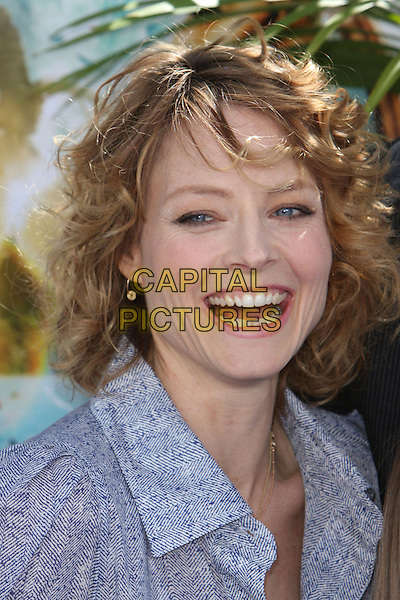 "JODIE FOSTER .""Nim's Island"" World Premiere held at Grauman's Chinese Theatre, Hollywood, California, USA,  30 March 2008..portrait headshot  gold hoop earrings coin disc necklace smiling teeth .CAP/ADM/`CH.©Charles Harris/Admedia/Capital PIctures"